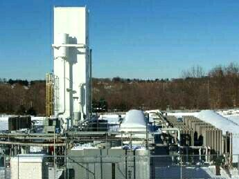 Liquid storage and vaporization backs up on-site gas generation facilities